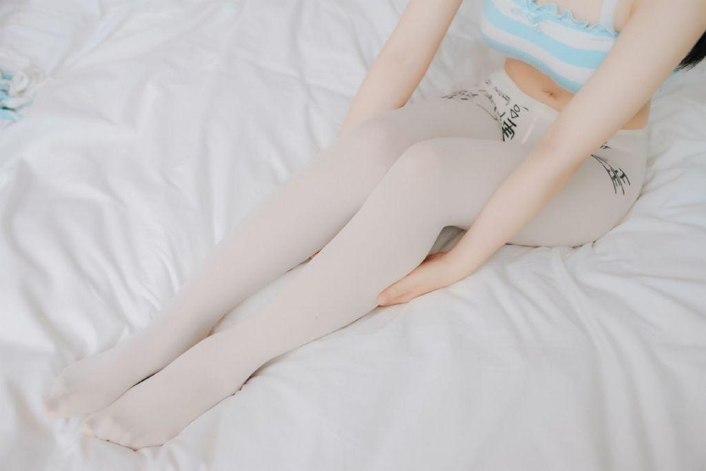 【领域少女】护士穿白丝袜图片2019-11-24