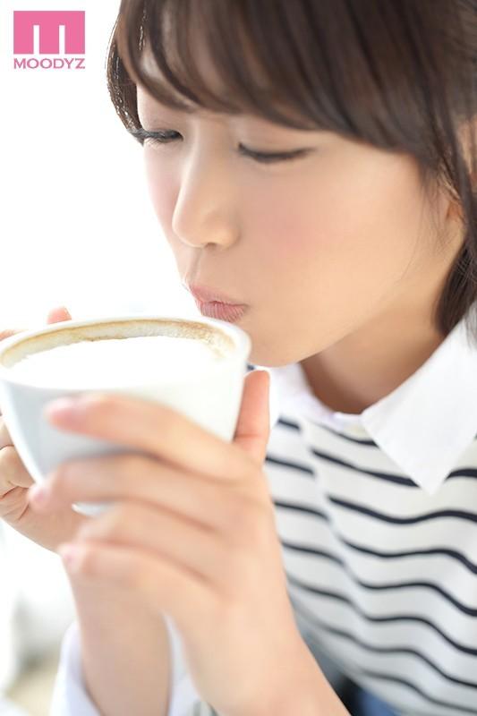 美女咖啡店长琴爪あおい(琴爪葵)水淹片场!
